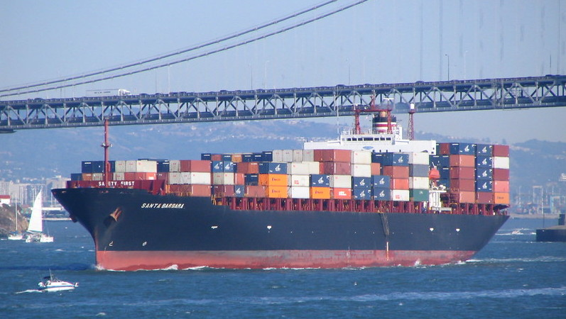Shipping accounts for around 3% percent of global greenhouse gas emissions (Photo: DerellLicht/Flickr)